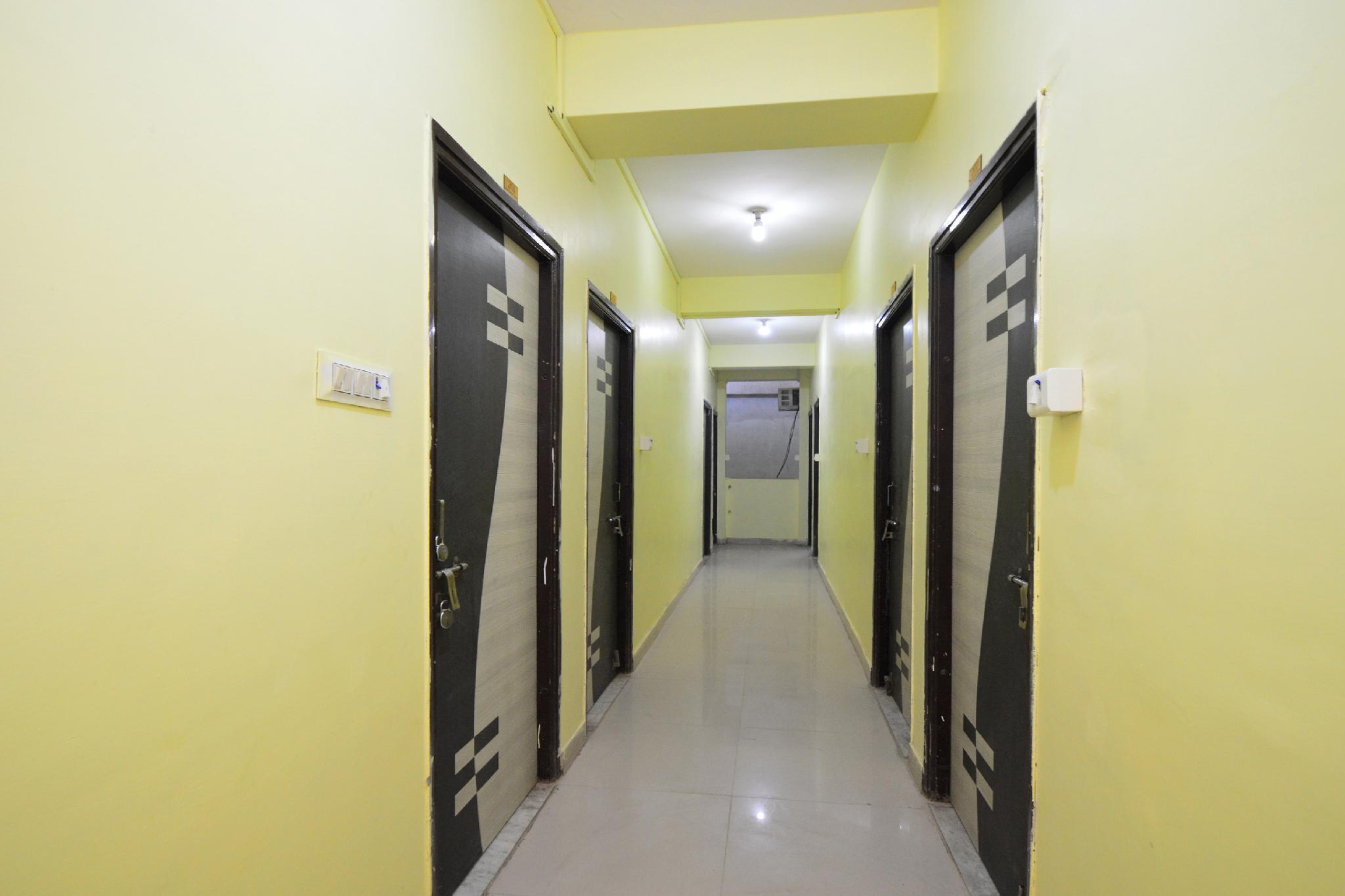 OYO 28295 Hotel Reyansh Galaxy, Kota