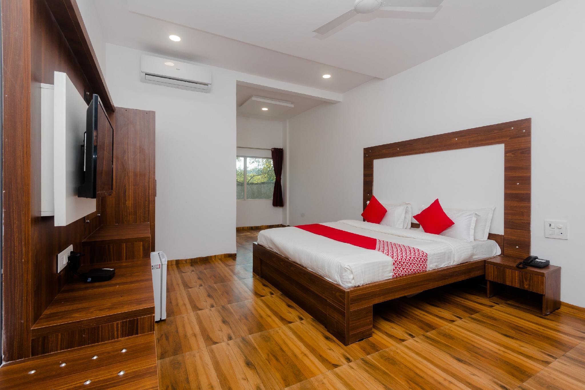 OYO 28759 Green Park Club Resort, Palghar