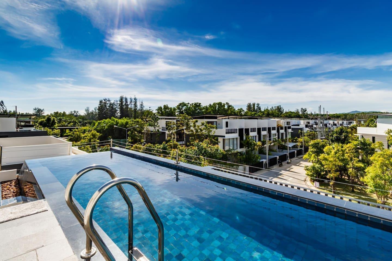 Rooftop pool villa in Laguna for 9, near shops