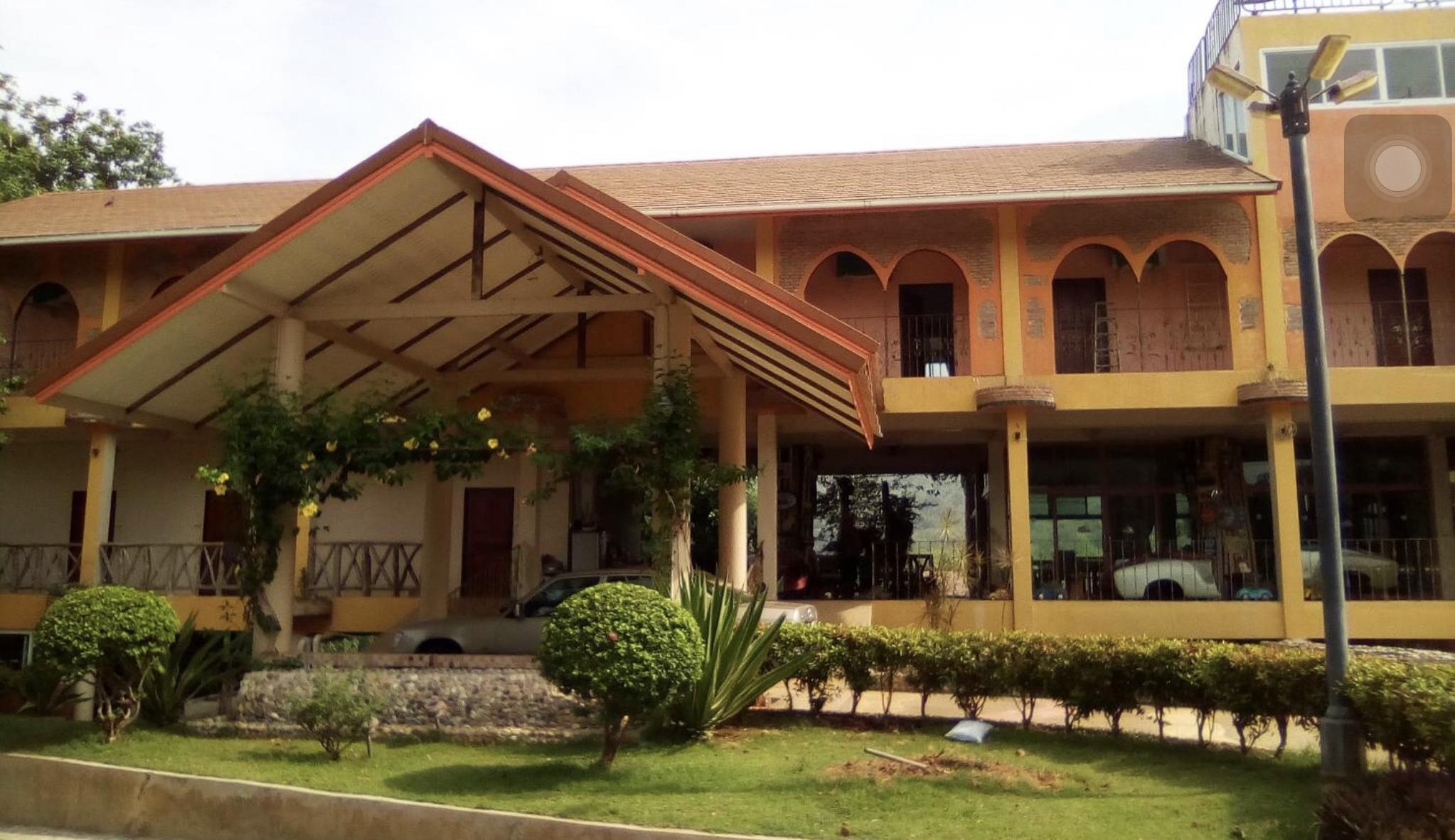 Bug and Bus Resort, Sai Yok