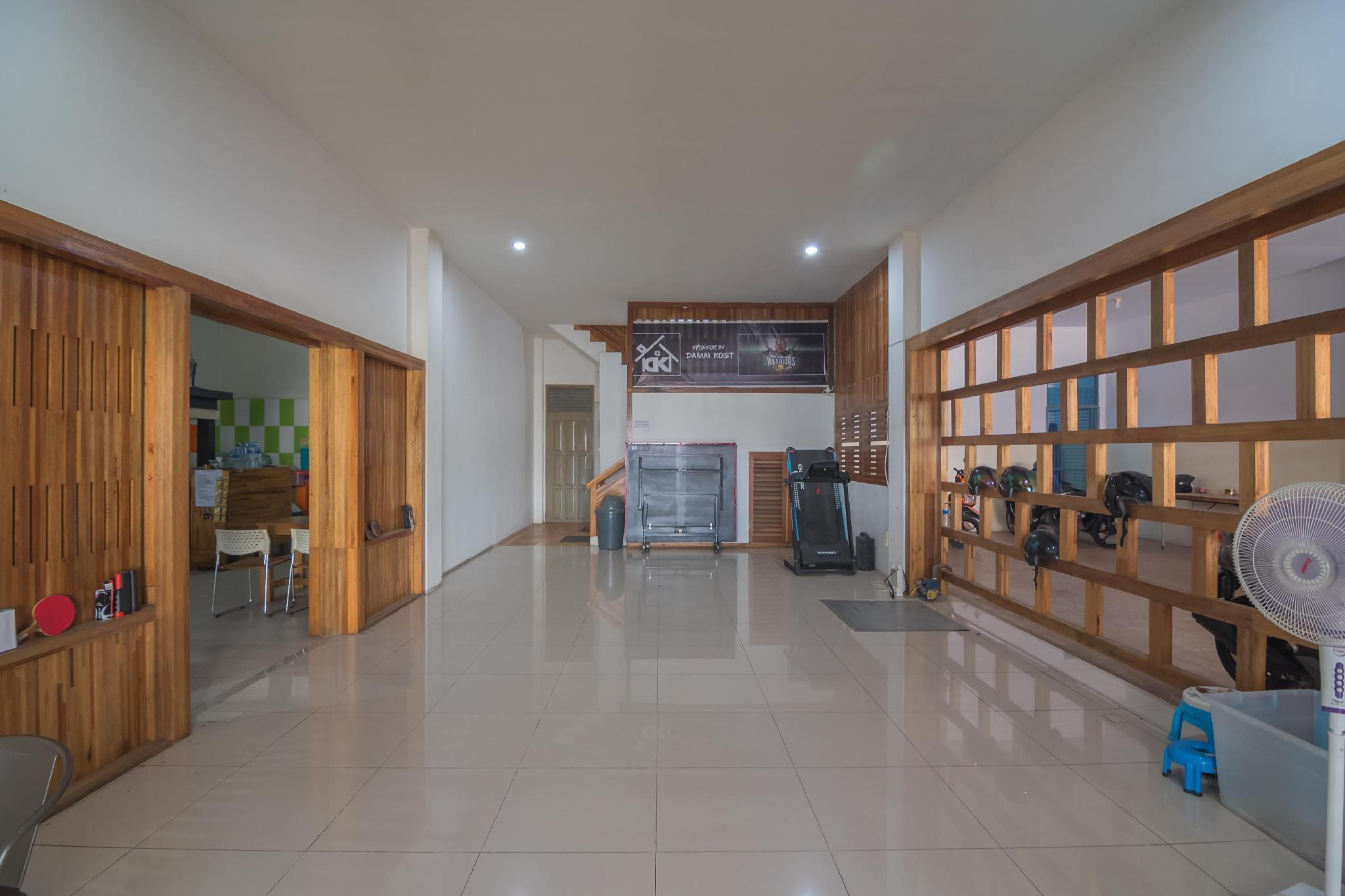 RedDoorz near Gajah Mada Pontianak