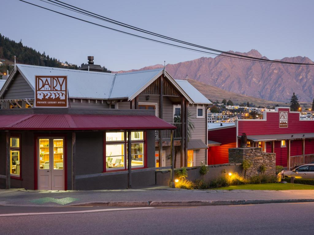 Best price on the dairy private luxury hotel in queenstown for Best value luxury hotels