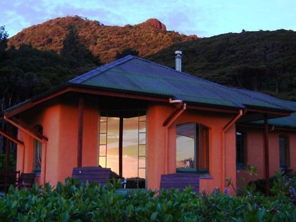 Earthsong Lodge, Auckland