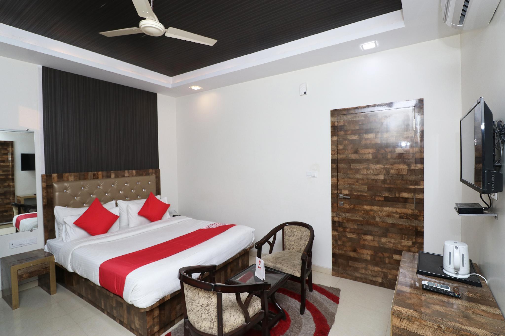 Capital O 31041 Hotel Purvanchal, Jaunpur