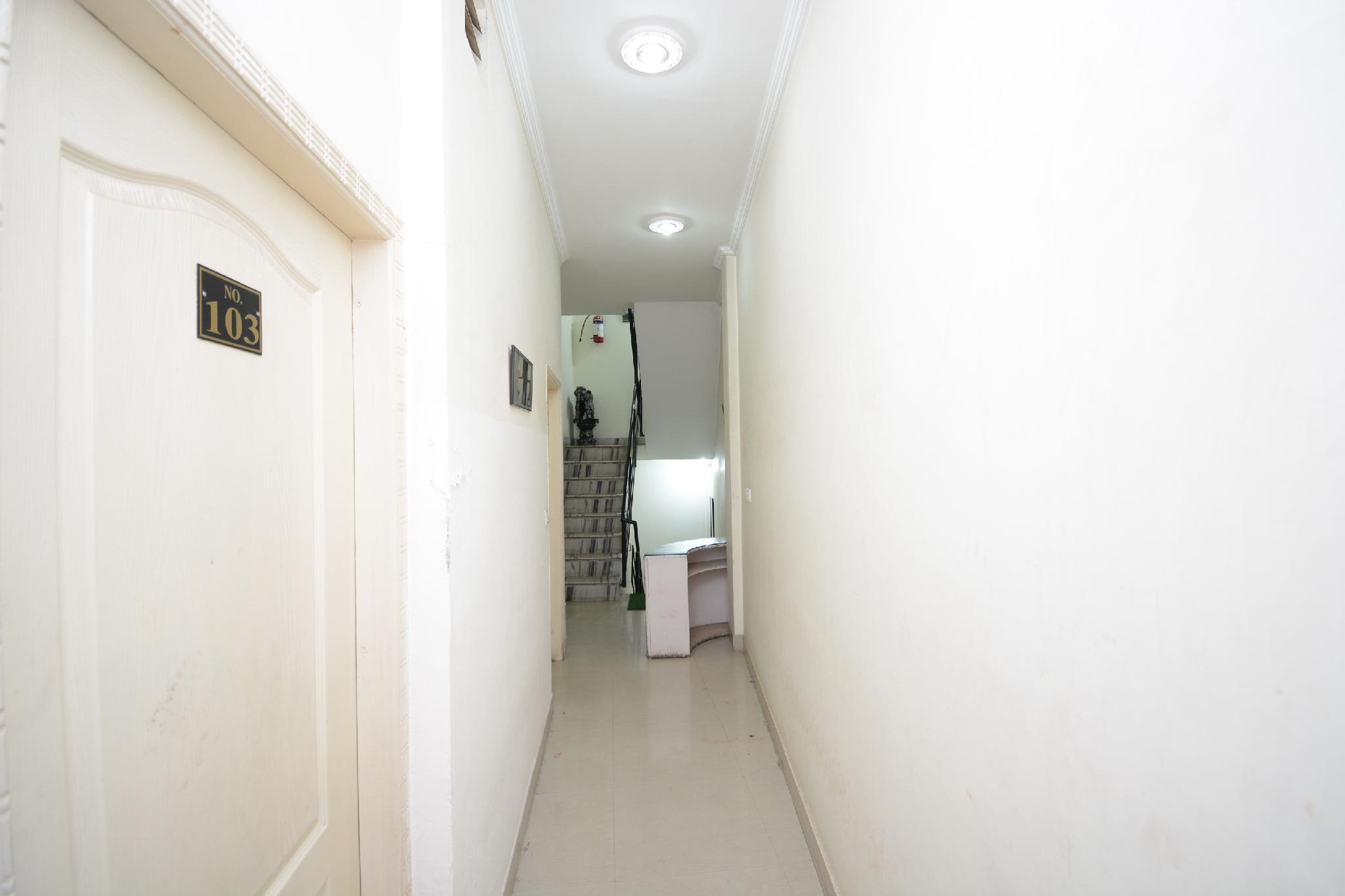 OYO 36054 Nanda Lodge, Pathankot