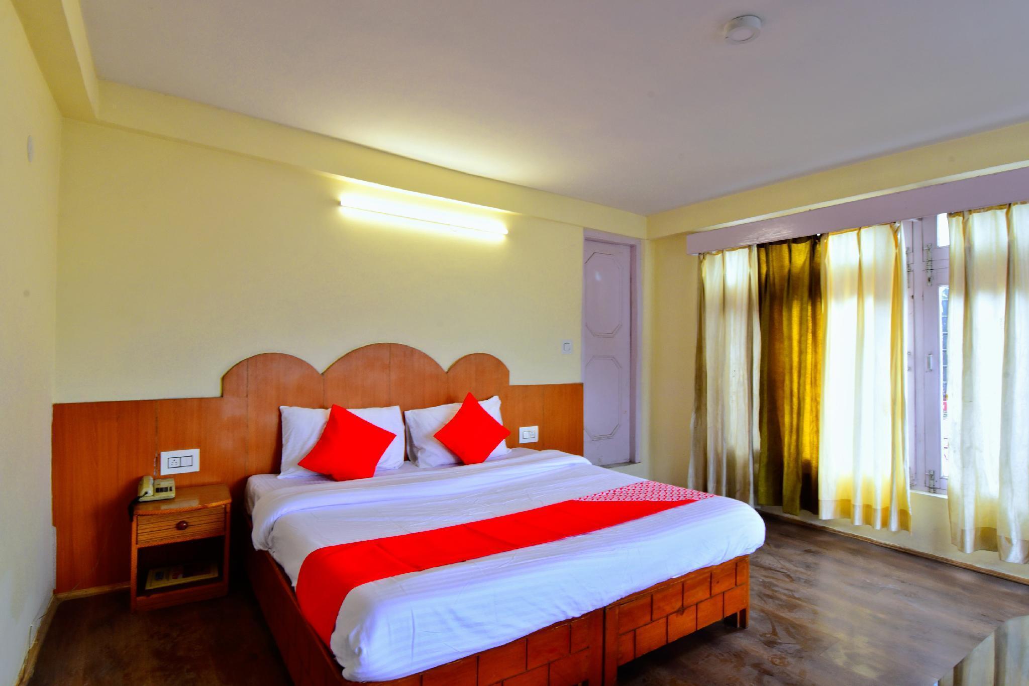 OYO 30387 Pine View Hotel Manali