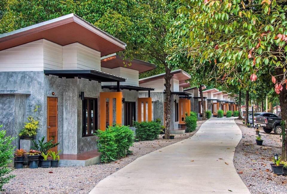 Baan Klang Suan Resort, Lang Suan