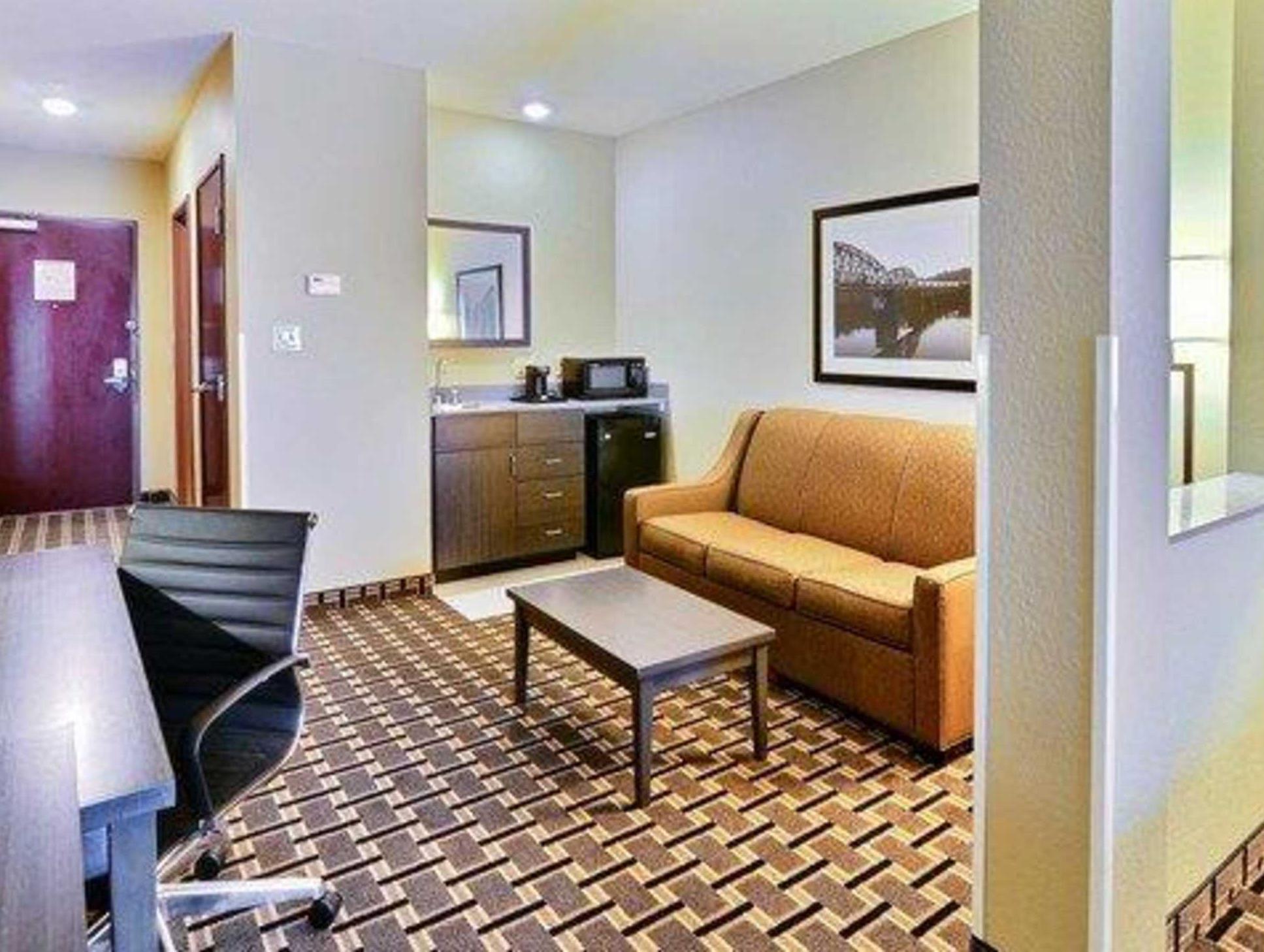Comfort Suites Uniontown, Fayette