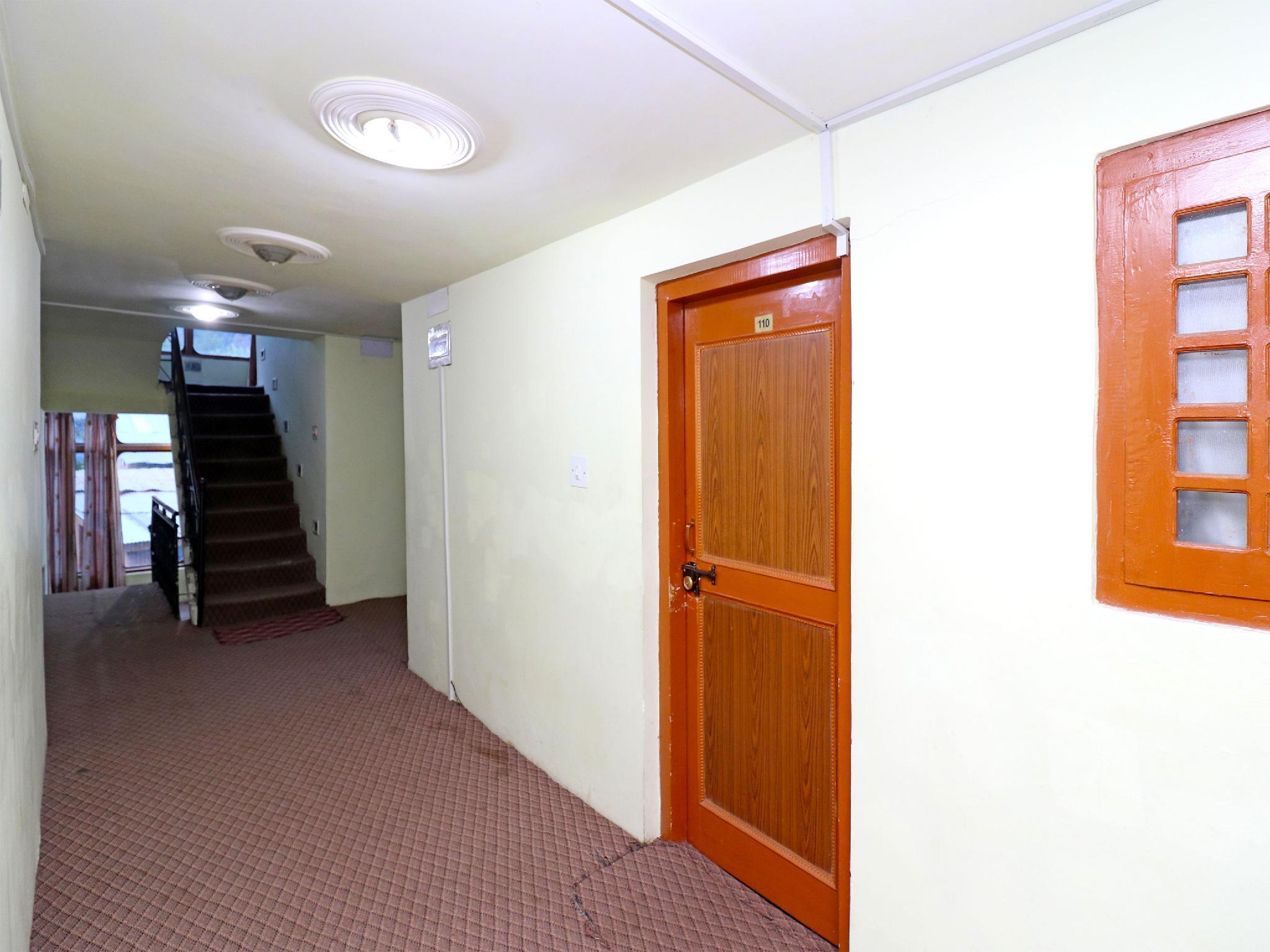 OYO 18416 Hotel Park Palace, Anantnag