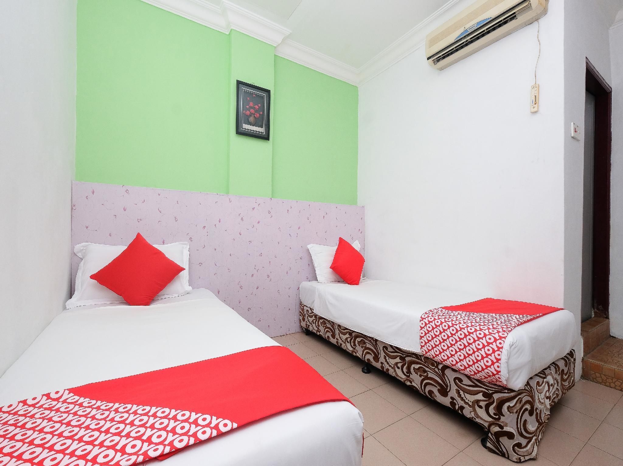 OYO 850 Gold Star Hotel, Kemaman