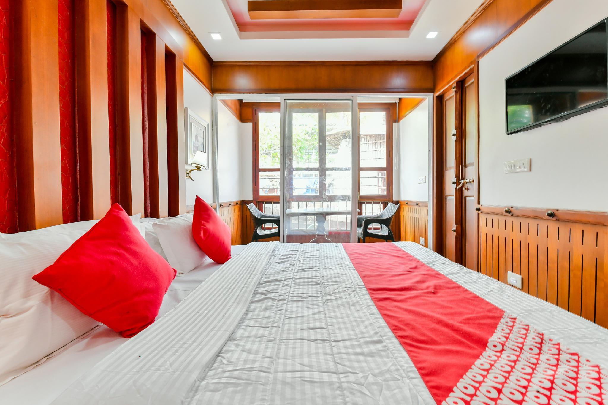 OYO 30227 Khbo Periyar Sharing Houseboat, Alappuzha