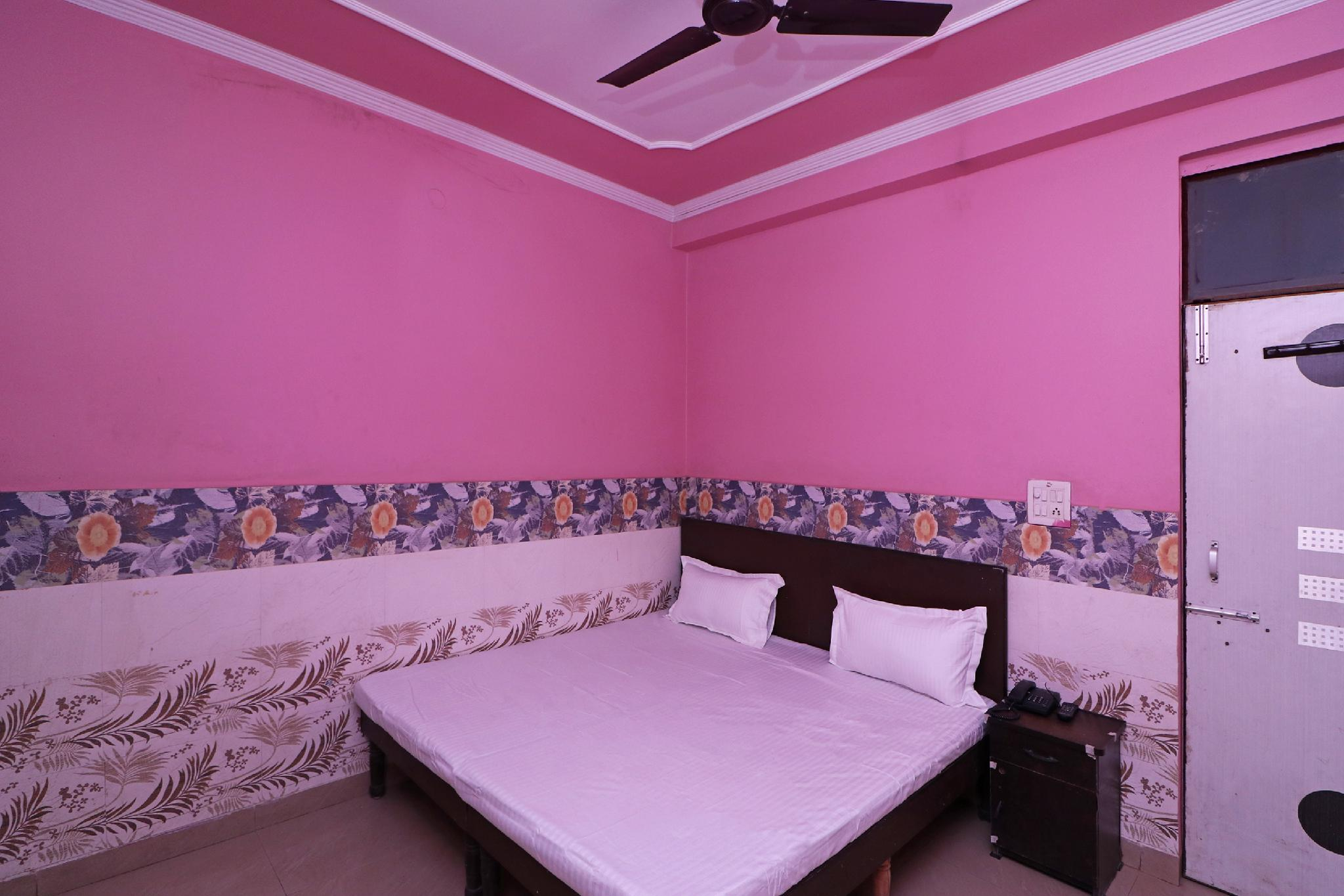 SPOT ON 37255 Paradize Guest House, Faridabad