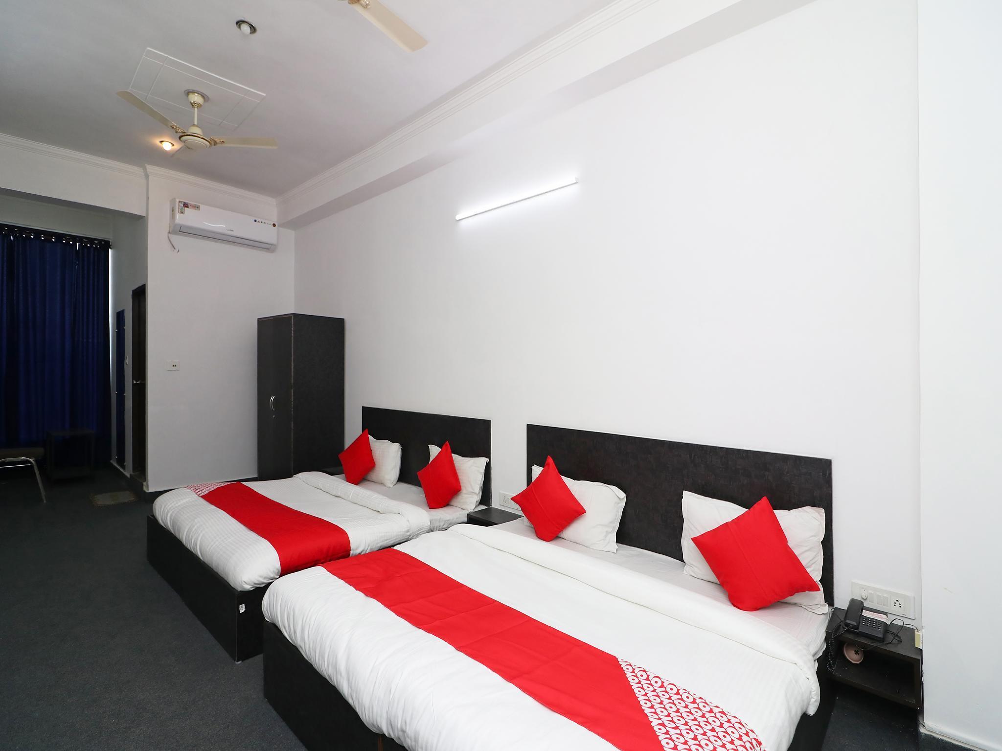 OYO 36432 Hotel Tarang, Ghaziabad