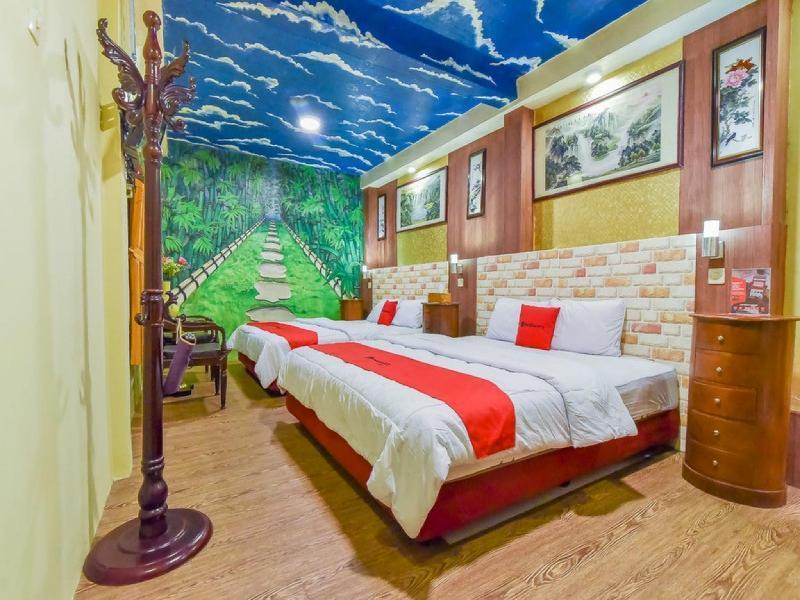 紅多茲Plus飯店 - 近烏布蒂爾塔厄姆普爾寺