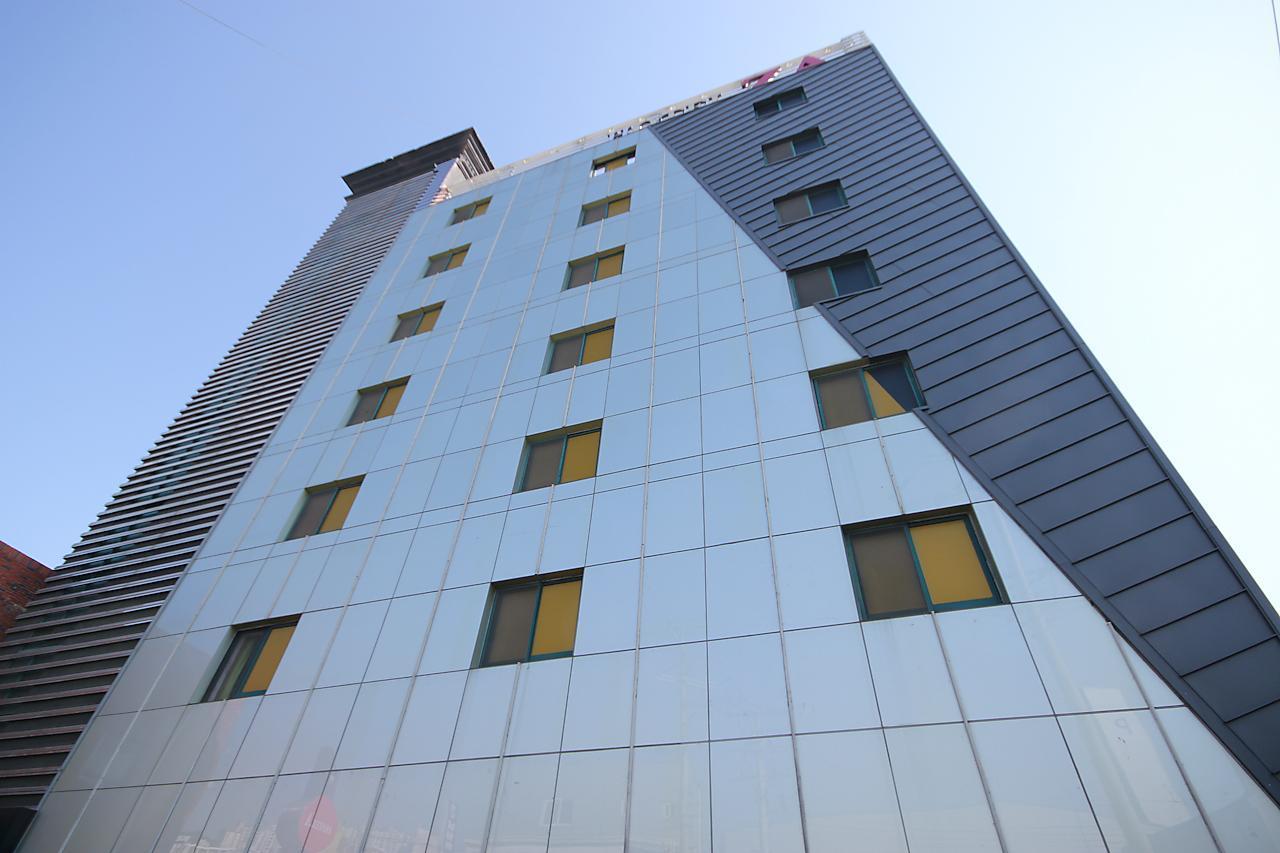 Hotel ZA, Sasang