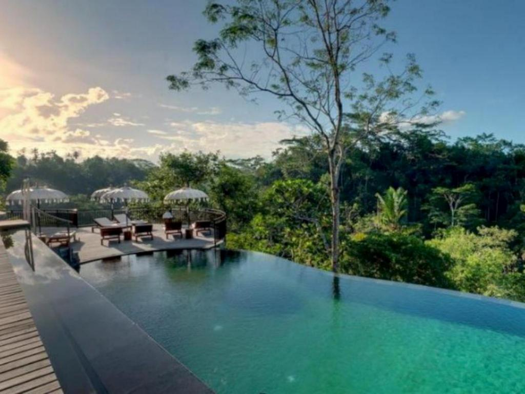 Hotels With Infinity Pools In Room