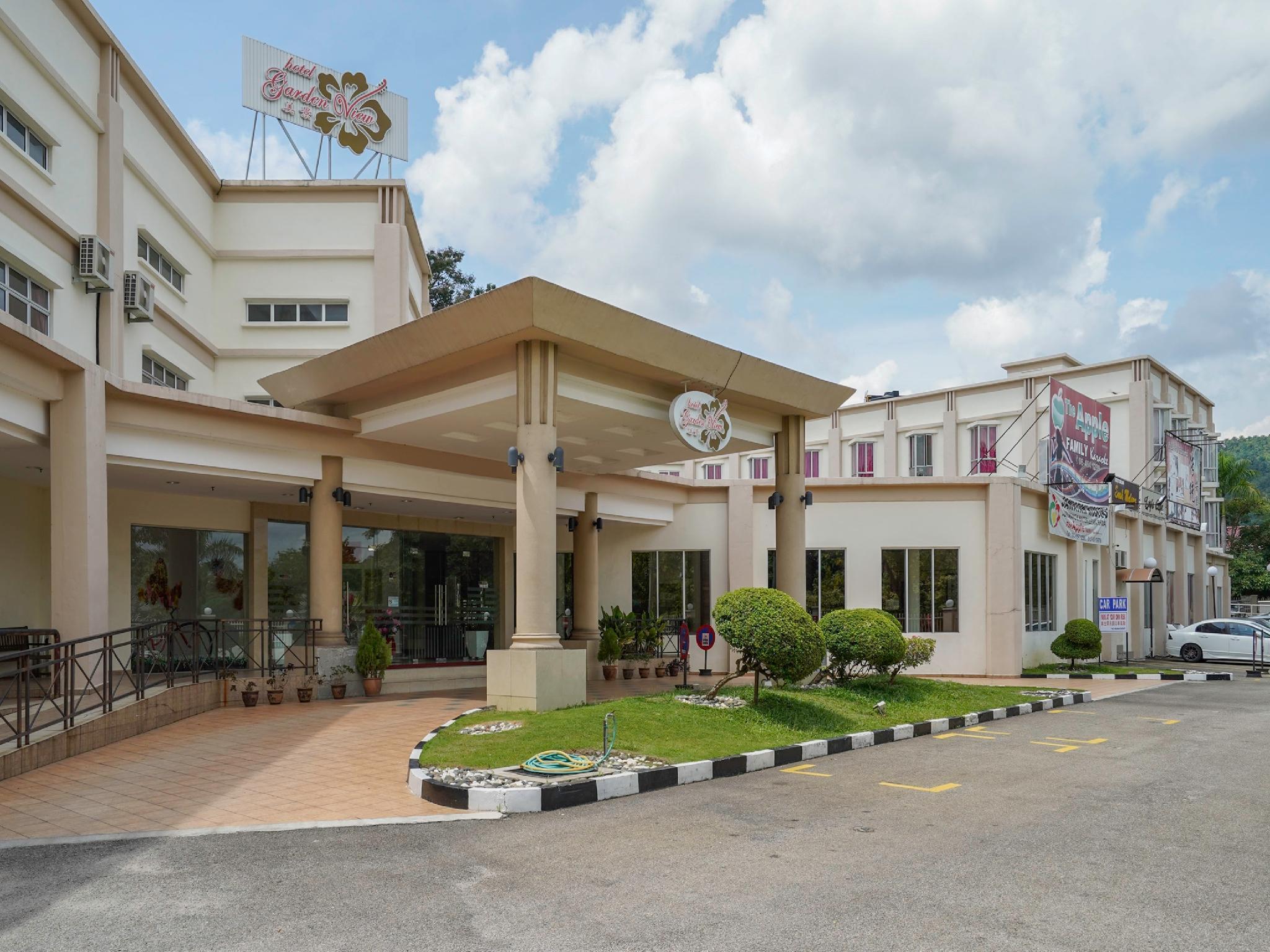Capital O 999 Garden View Hotel, Jempol