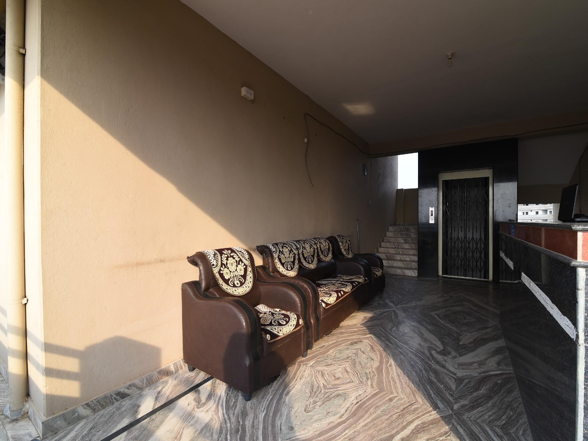 SPOT ON 37543 Hotel Surya Guest Inn, Kurnool