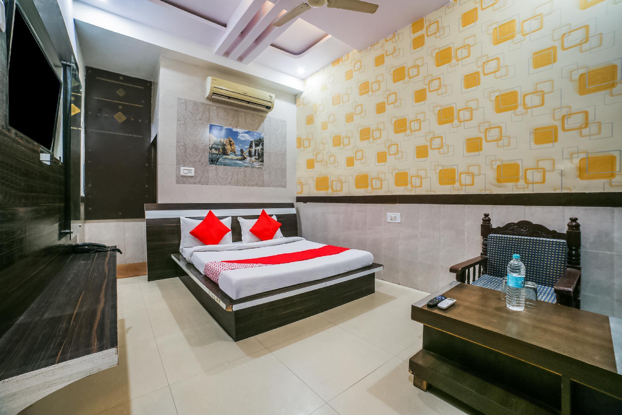 OYO 36289 Hotel Maurvi, Sikar