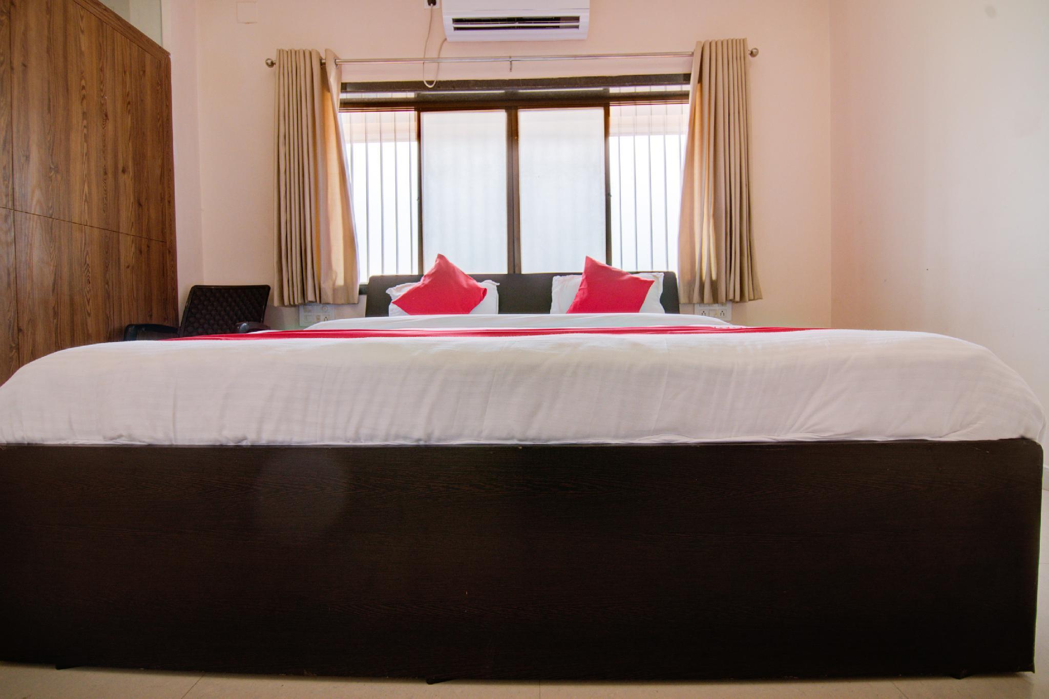 OYO 38737 Hotel Aryan, Solapur