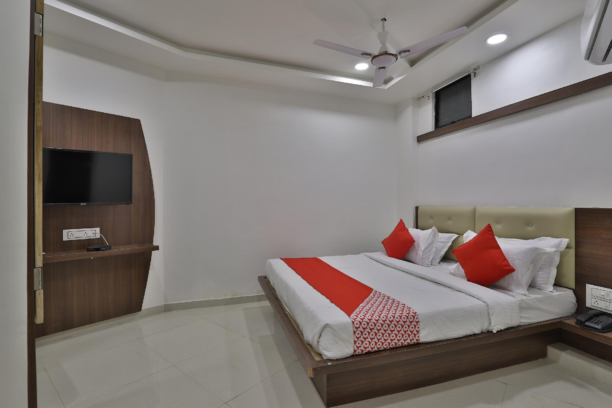 OYO 35508 Dev Palace, Gandhinagar