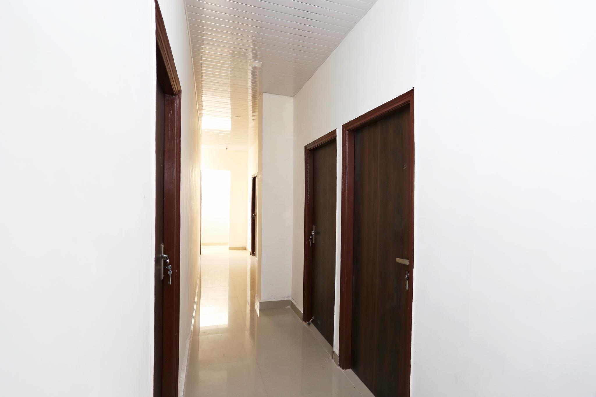 OYO 31100 Hotel My Dream, Faridabad
