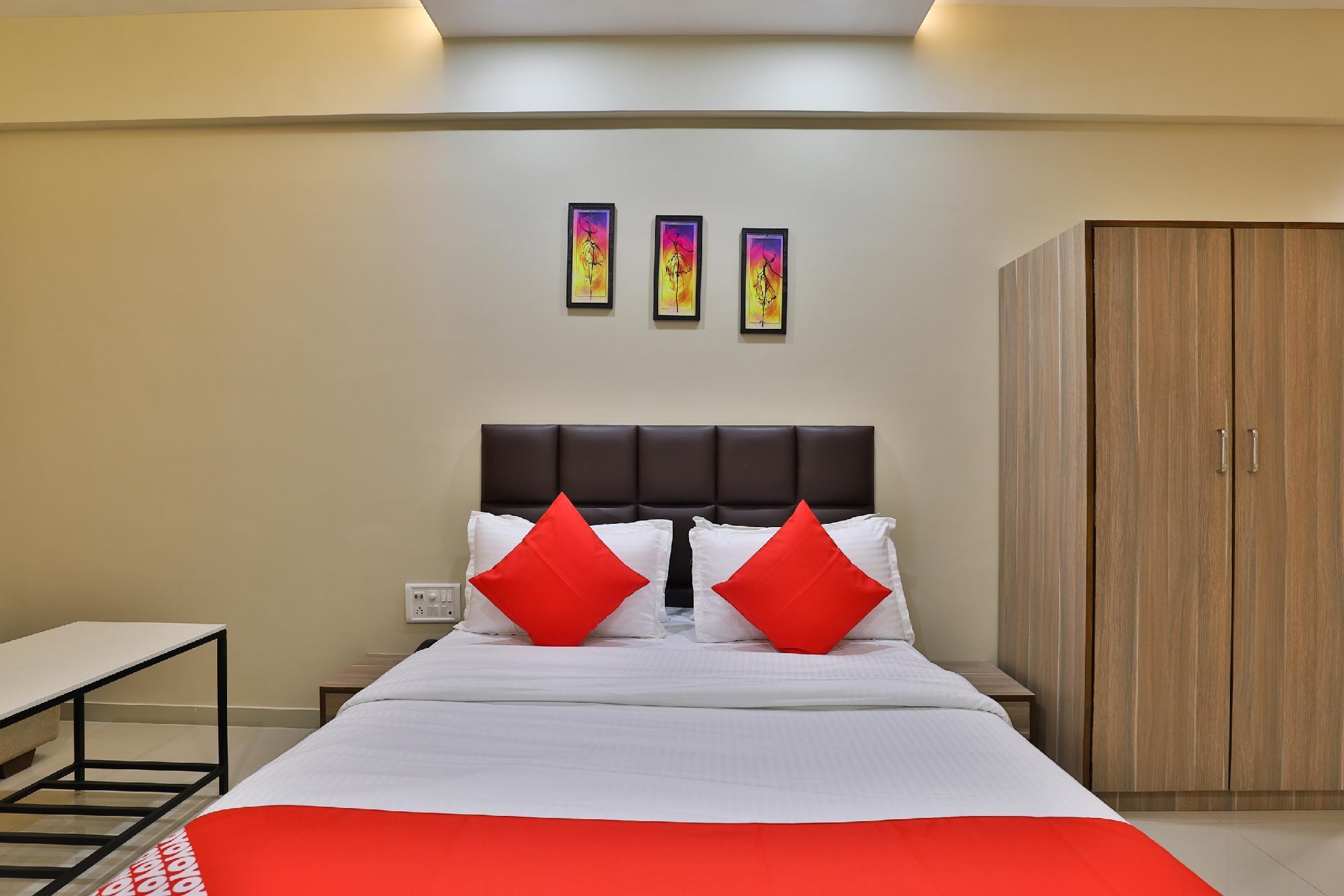 OYO 28429 Hotel Citadel, Surat