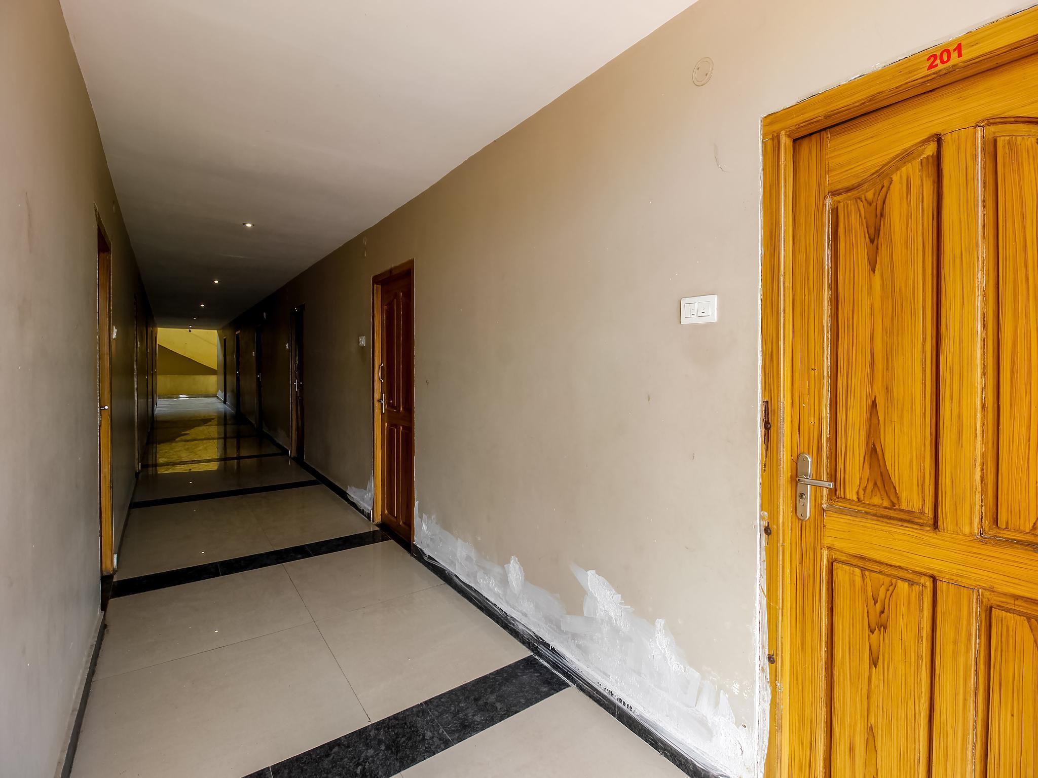 SPOT ON 38528 Sri Venkateswara Hotel, Khammam