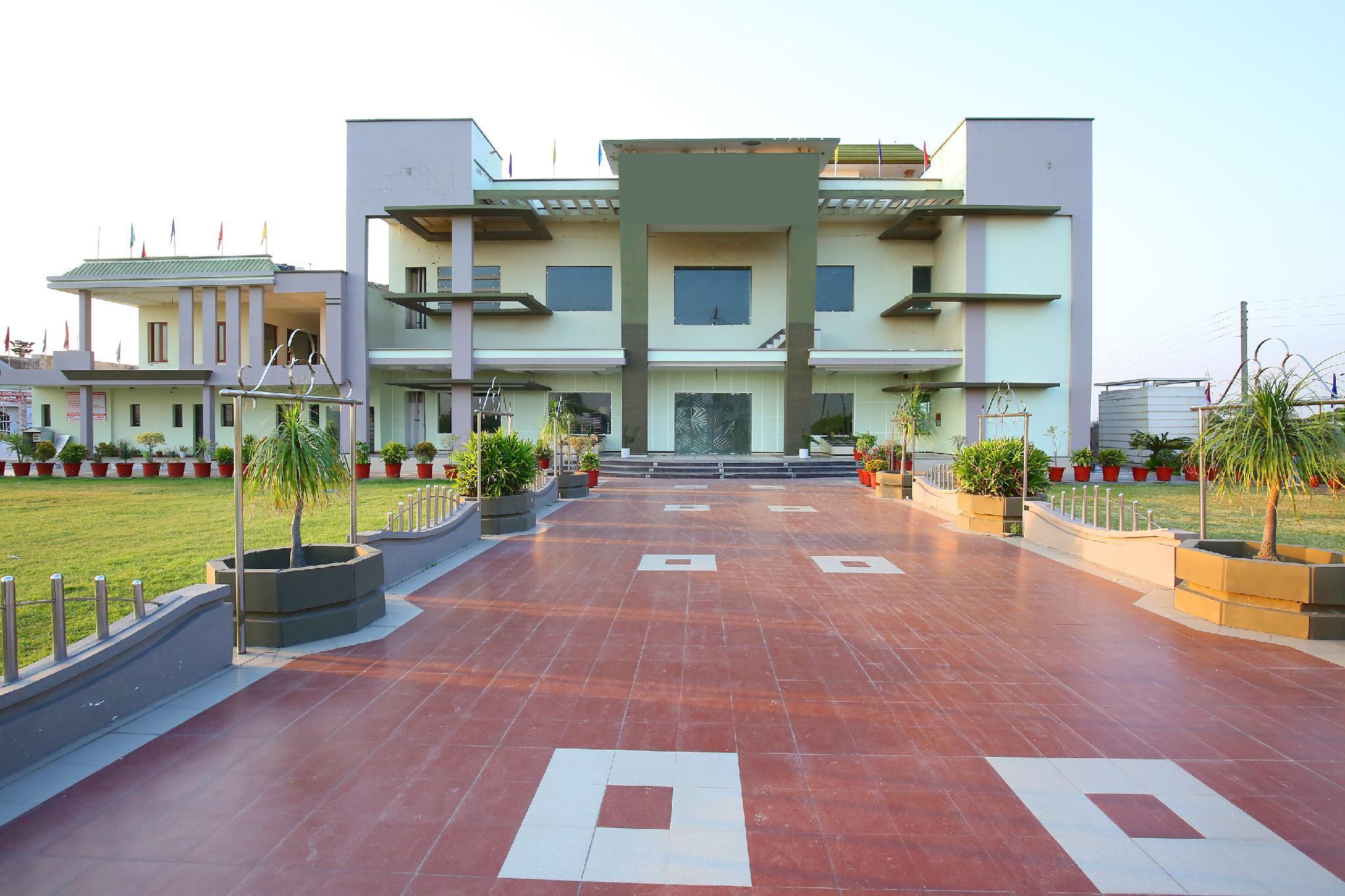 OYO 36262 Armaan Resort, Ambala