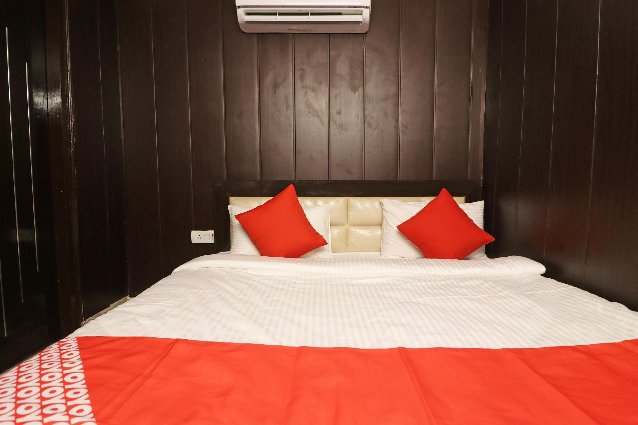 OYO 28408 KHBO B&B Package Houseboat, Alappuzha