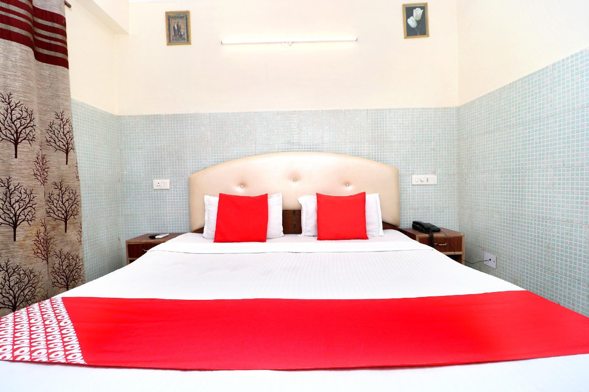 OYO 38170 Hotel Grand Plaza