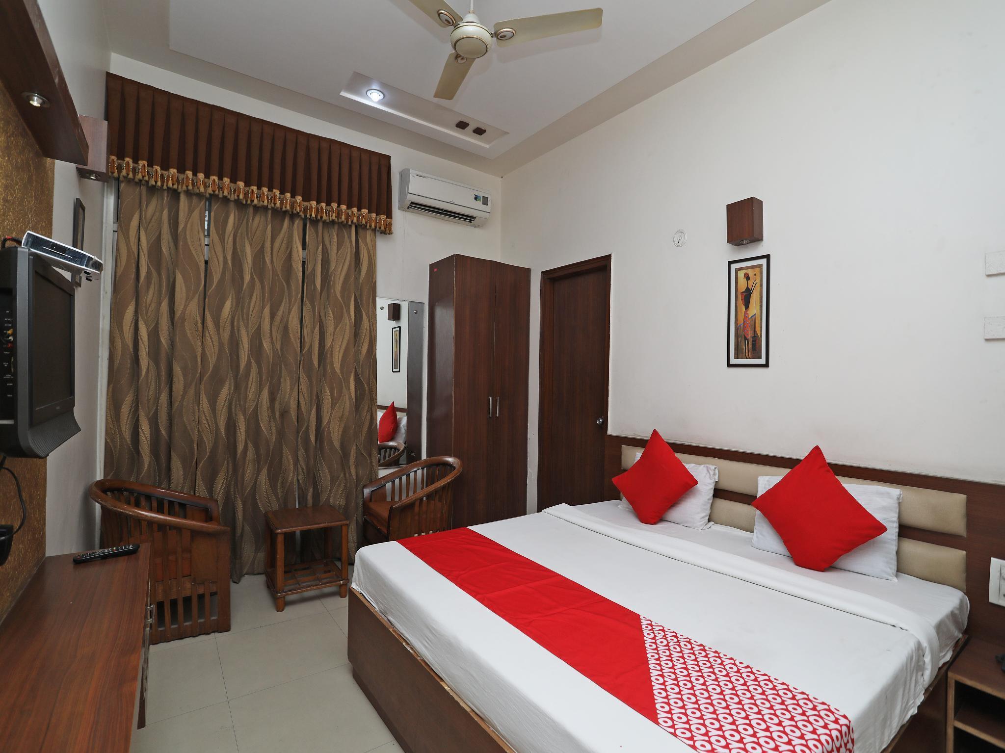 OYO 38103 hotel shubham, Rewari