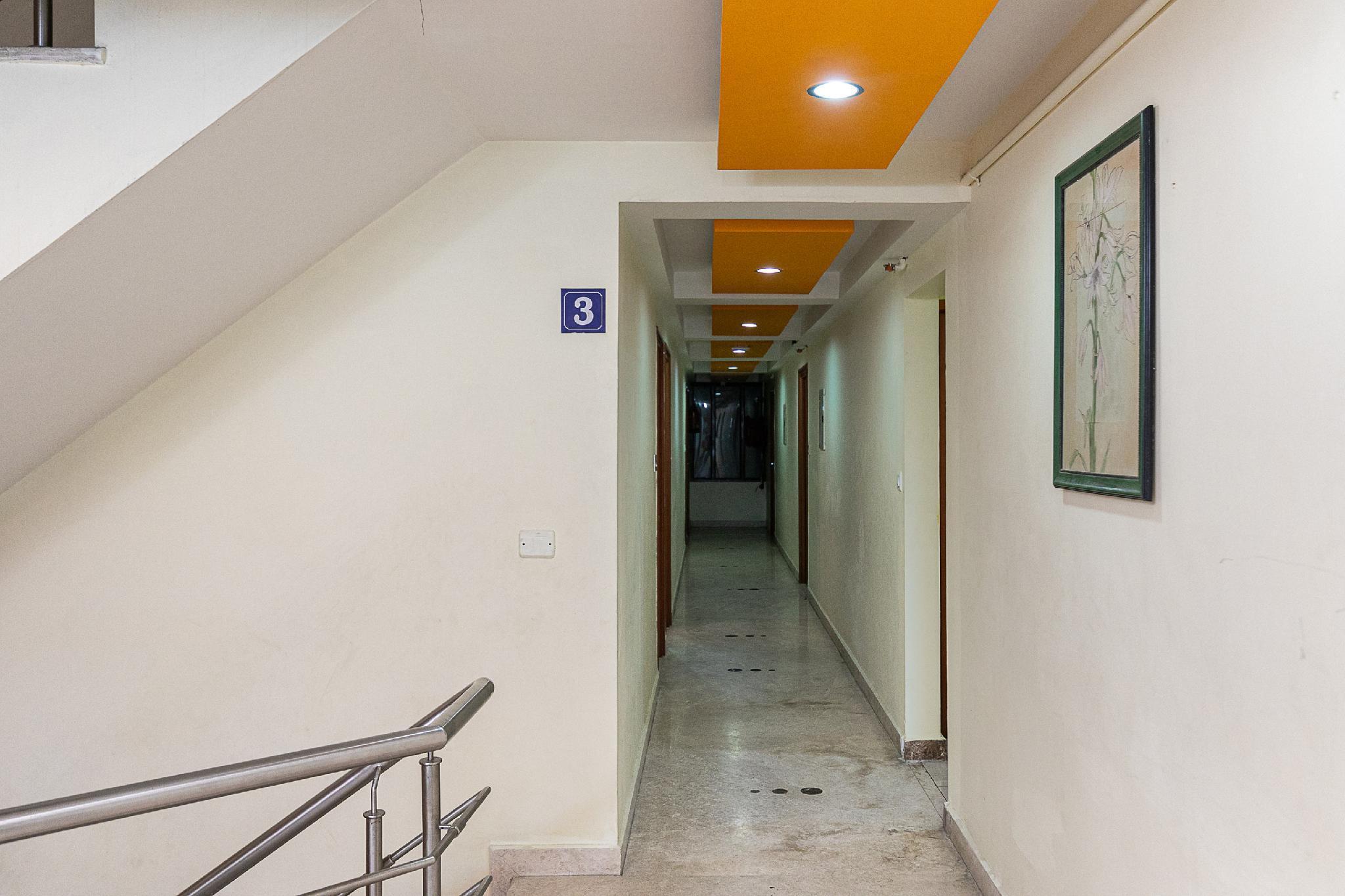OYO 11612 Golden Inn, Puducherry