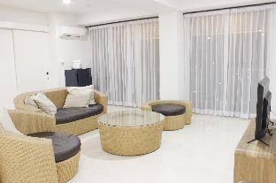 Homey 4BR Apt at Landmark Residence By Travelio, Bandung