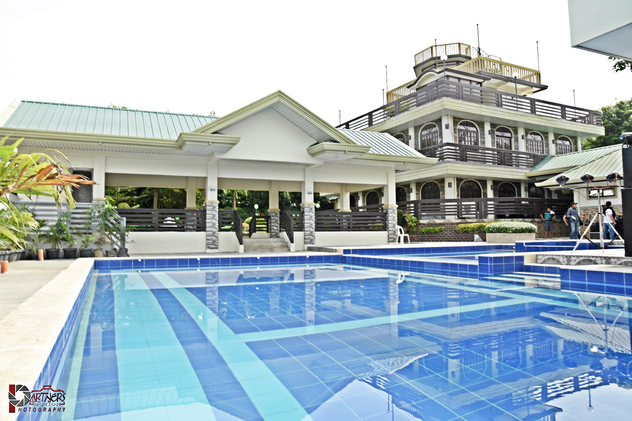 Villa Esmeralda Bryan's Resort Hotel and Restaurant, Palayan City