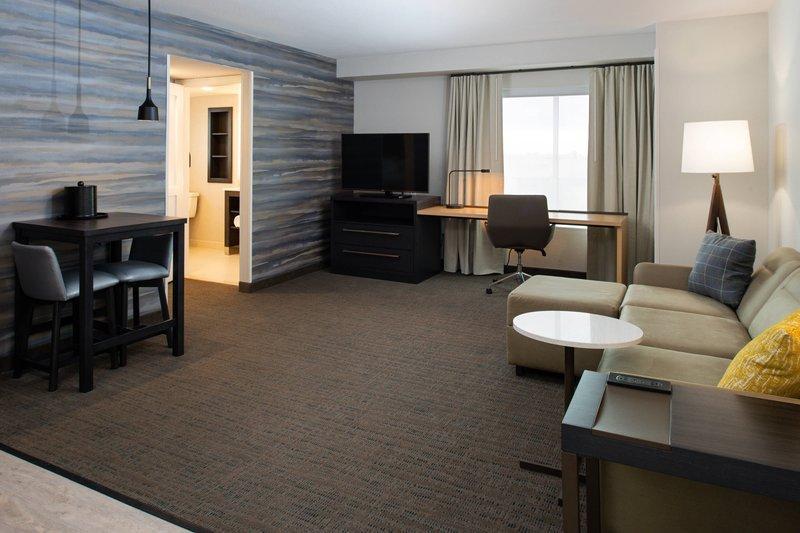 Residence Inn Visalia