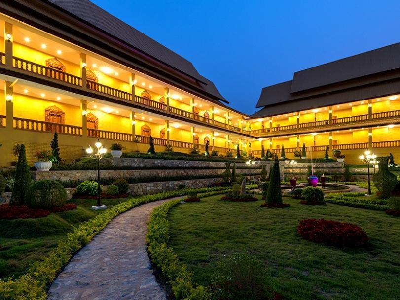 The M Bokeo Hotel, Houixai