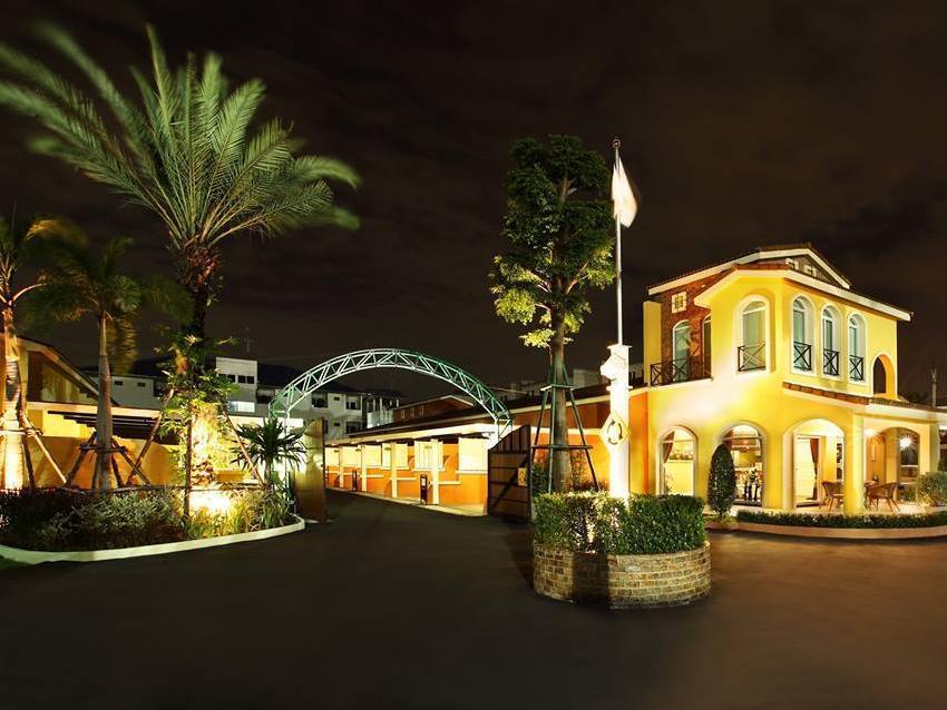 The Villa 71 Resort, Lat Phrao
