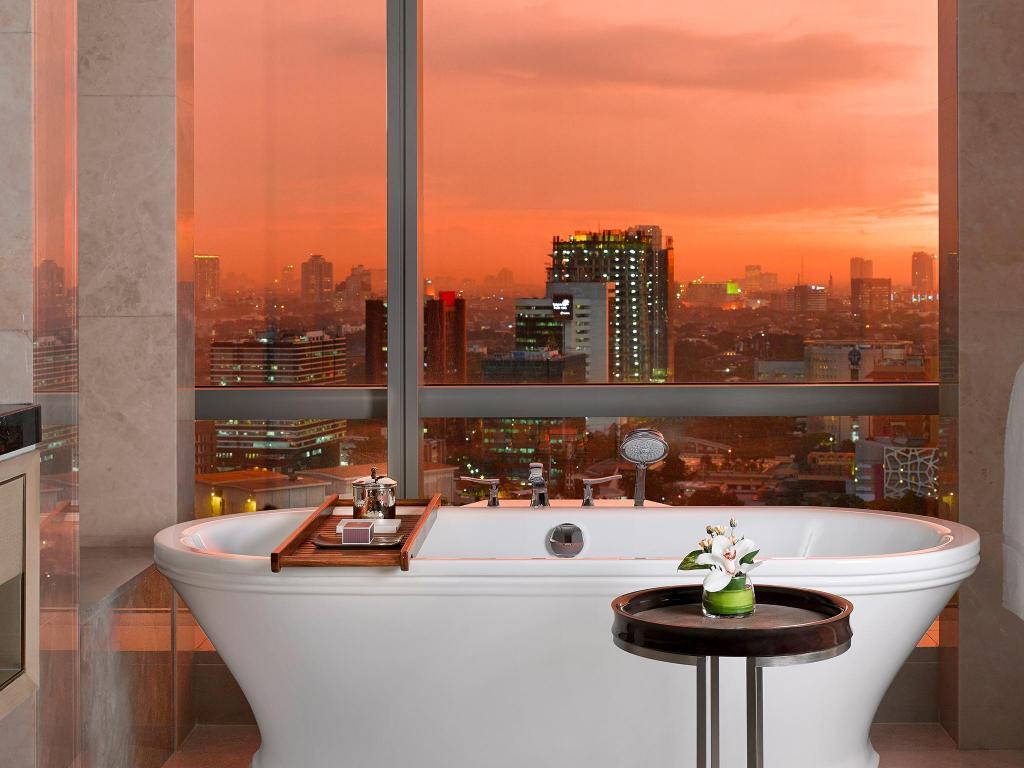729549 17101215530057732709 - Mengintip Hotel Mewah Tempat Menginap Rombongan Raja Arab di Jakarta, Berapa Tarifnya?
