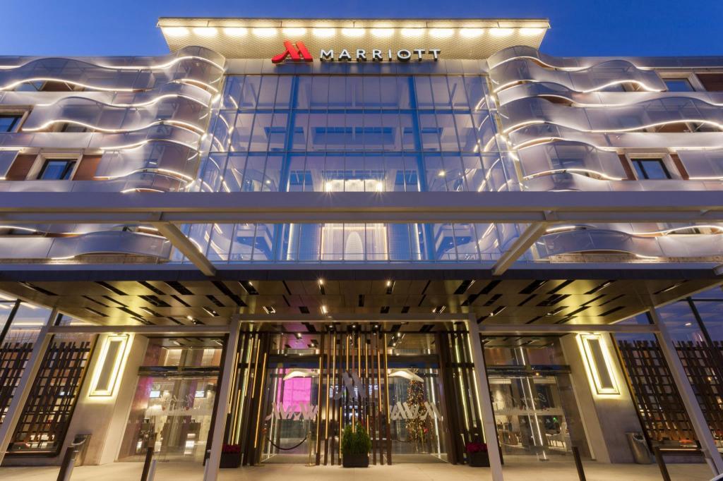 Best price on madrid marriott auditorium hotel Best hotels in central madrid