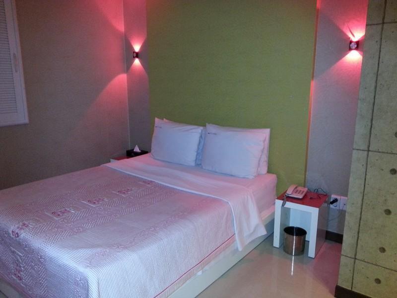Rosenheim Hotel, Goyang