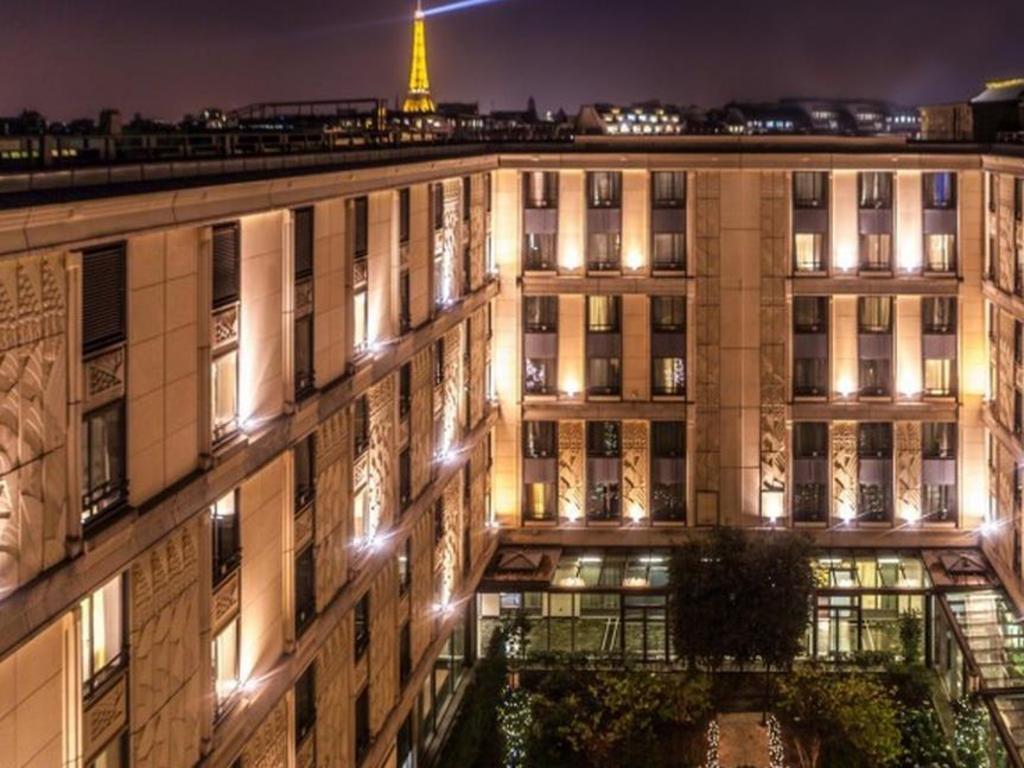 Best Price on Hotel du Collectionneur Arc de Triomphe in Paris + Reviews