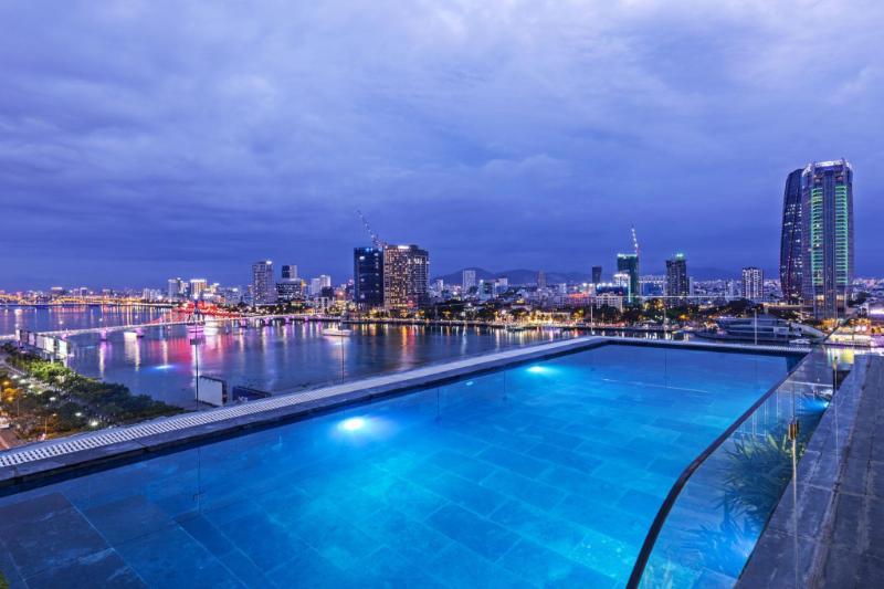 IBIZA Riverfront Hotel Da Nang