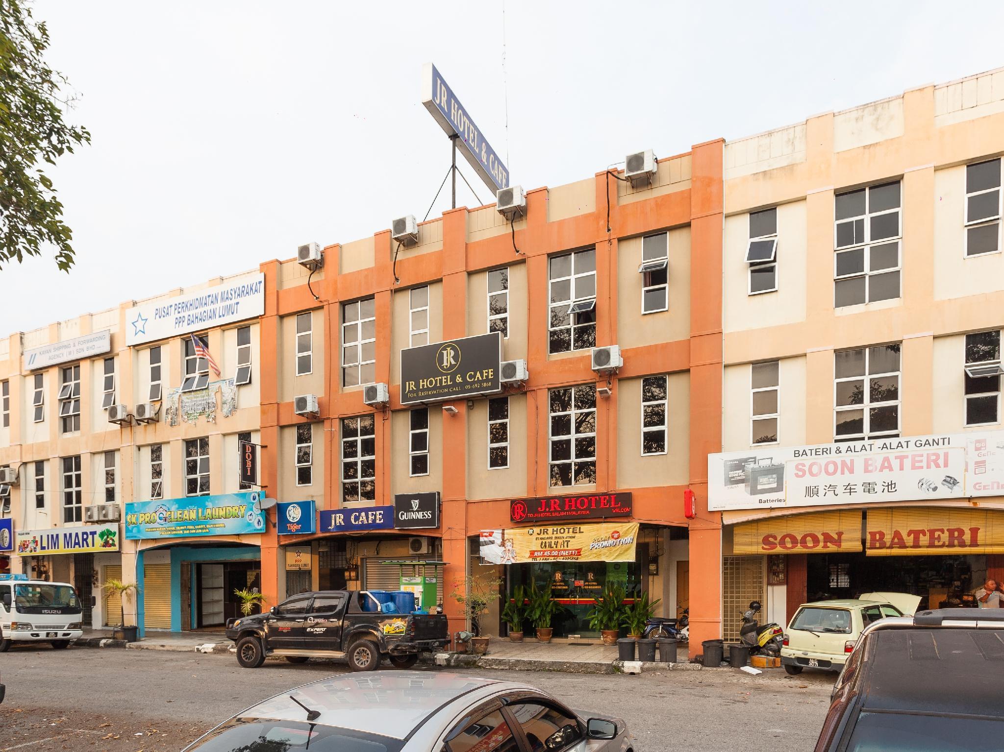 OYO 796 JR Hotel, Manjung