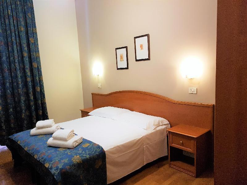 馬德里索金諾飯店