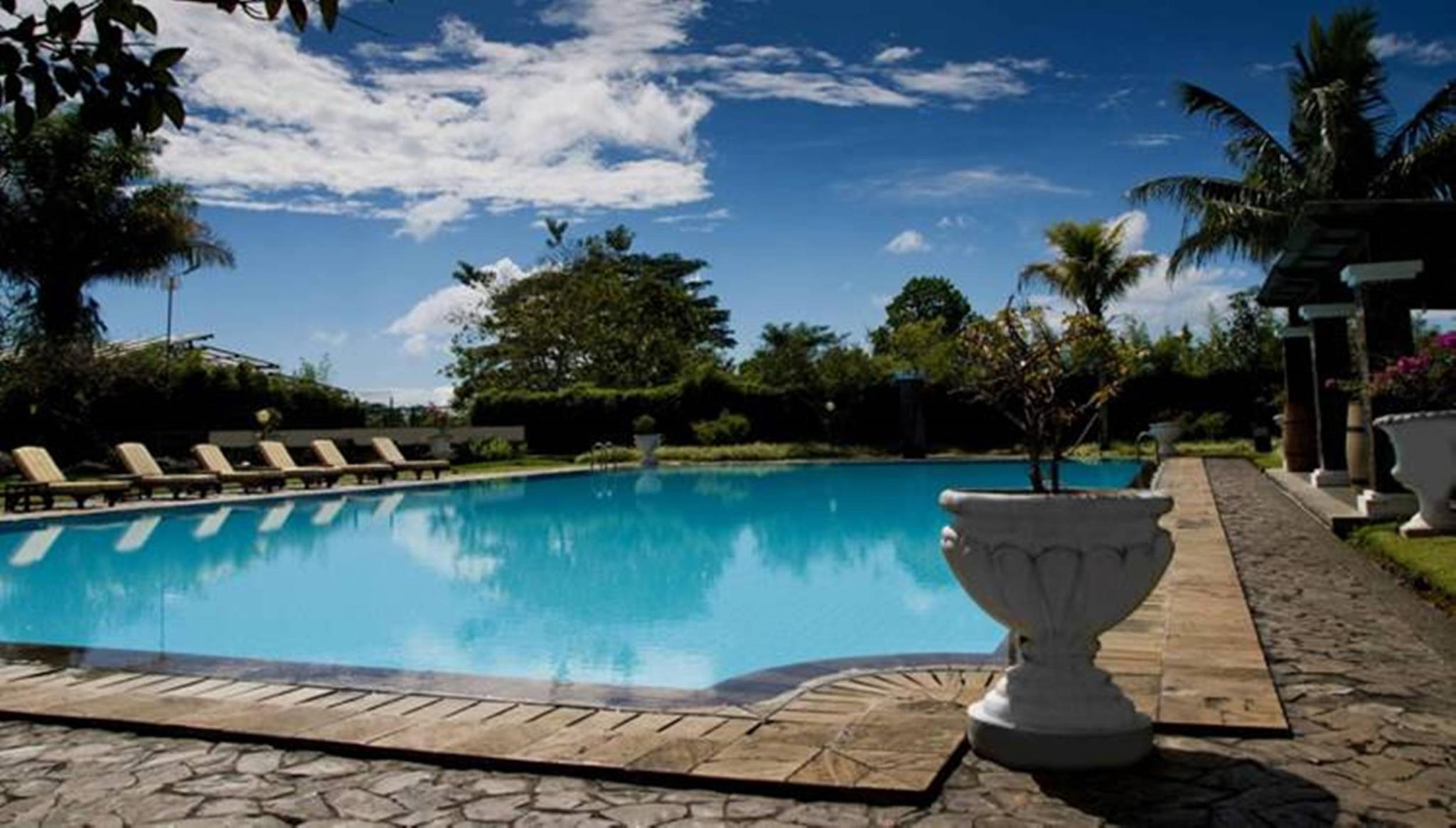 Puncak Resort Drive 235 By Aryaduta