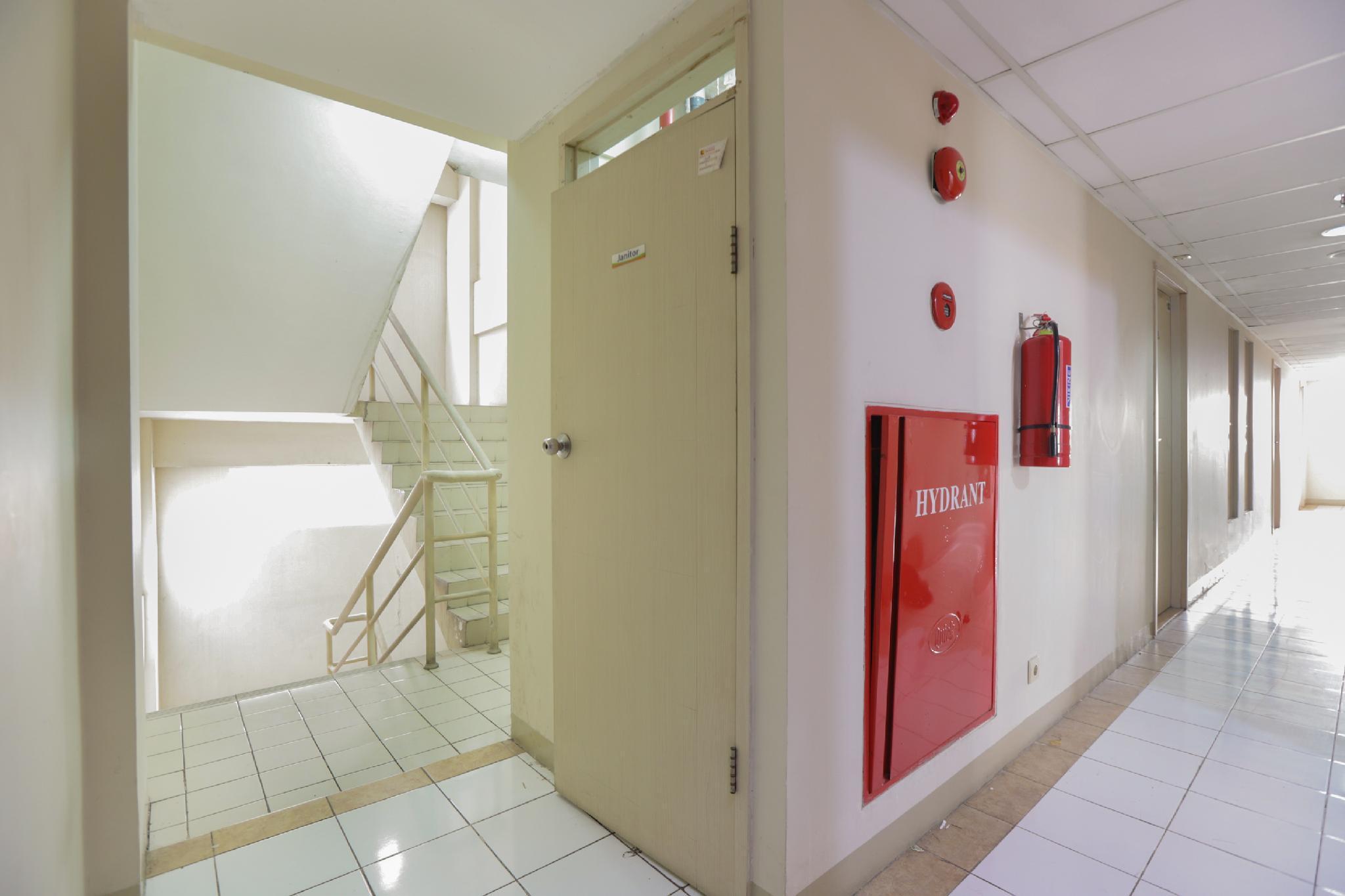 OYO 909 Lauv Room Grand Centerpoint