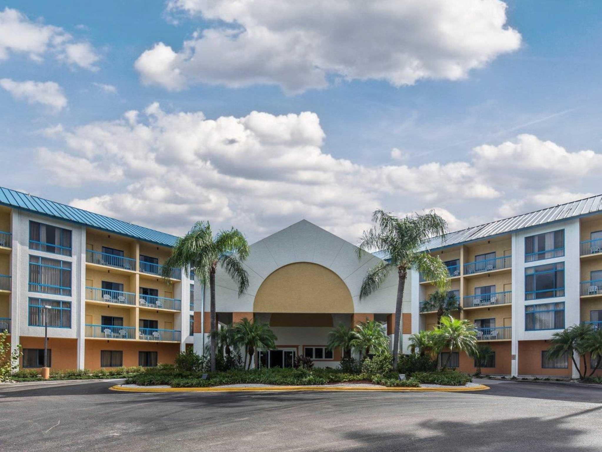 Comfort Inn U0026 Executive Suites