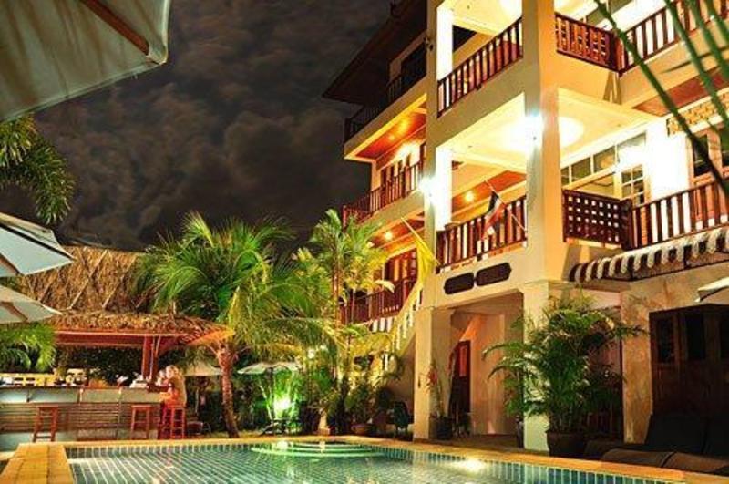 Baan Chayna Hotel
