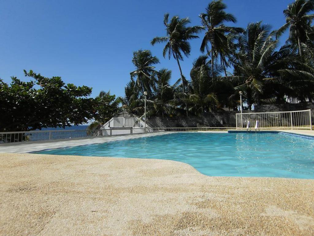 Best price on hisoler beach resort in cebu reviews - Diamond suites cebu swimming pool ...